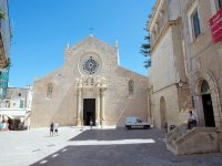 la cattedrale nel centro di otranto