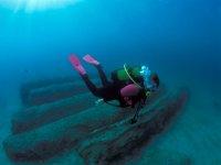 immersione alla scoperta di antichi reperti