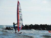 Cavalcando l onda con il windsurf
