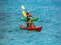 in kayak in coppia