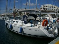 barca a vela ormeggiata