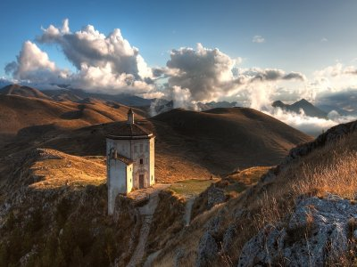 Tra Borghi e Castelli del Gran Sasso