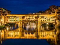 la magnifica Firenze di notte