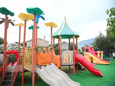 Ingresso parco giochi + cena (bambini max 10 anni)