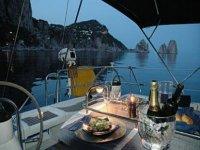 Cena romantica in barca