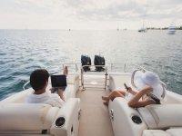 vieni a rilassarti in barca