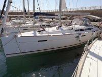 La nostra barca al porto