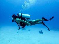 immerso in acqua