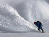 Surfando sulla neve