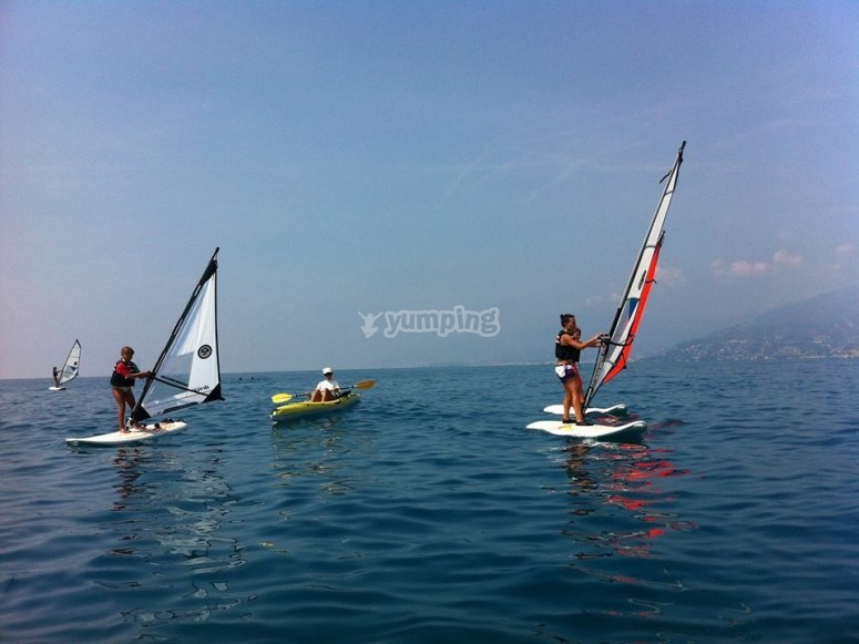 Pronti all'avventura sul windsurf