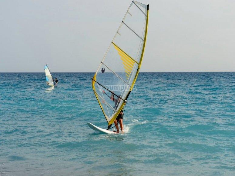 Diventa un windsurfer professionista
