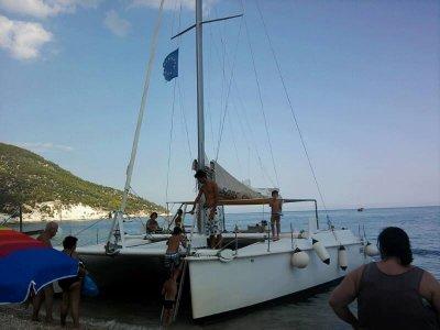 Catamarano Sans Souci Vieste Noleggio Barche