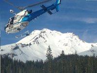 in elicottero verso il monte Bianco