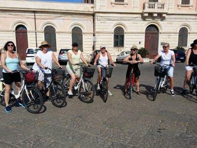 Guida per tour in bici nella Neapolis 3/6 ore