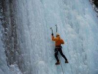 Corso su cascata di ghiaccio