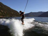 Un po di wakesurf in scia