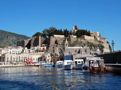 Arianna Escursioni alle Eolie Escursione in Barca