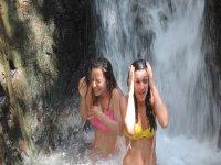 sotto la cascata 1