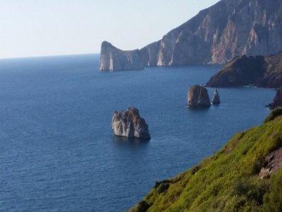 Tour in barca vela con partenza da Carloforte (7h)
