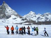 Il gruppo sugli sci