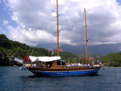 Escursione in barca lungo la costa Garganica