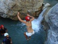 Salto canyoning