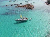 barca a vela in paradiso