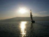 Navigare sul lago