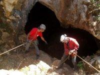 Risalita da una grotta