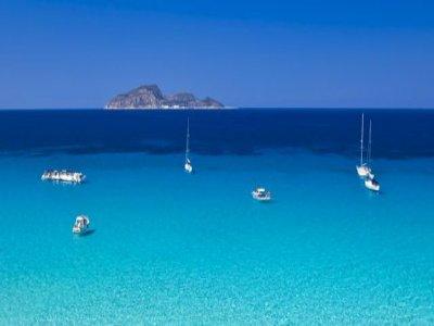 Le Tre Isole di Serimm Escursione in Barca