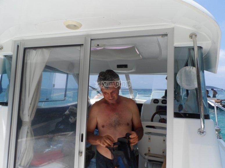 Barca cabinata con zona living