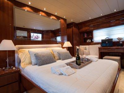 Charter in Yacht 27 mt, Poltu Quatu (Luglio)