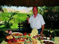 Degustazione vini e prodotti tipici