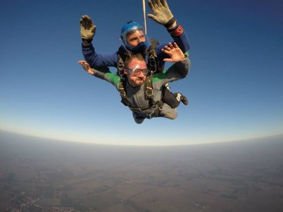 Lancio tandem paracadute con video a Molinella