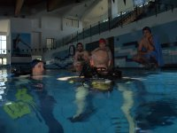etnadive pupils in the pool