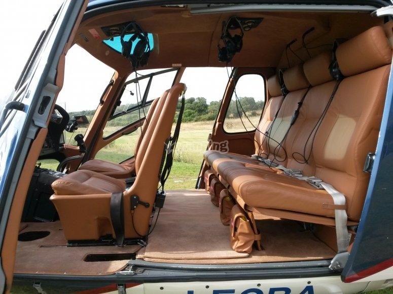 AS350 interni lussuosi