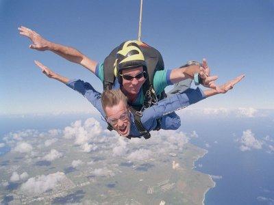 Volo in paracadute a Siracusa 4 persone