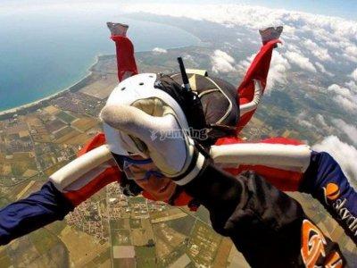 Lancement de parachutistes à Cosenza avec instructeur