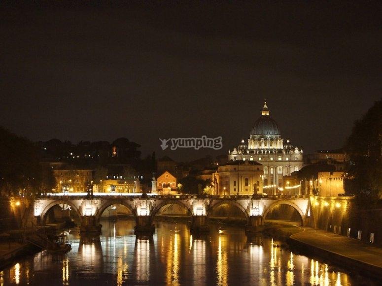 Basilica di San Pietro illuminata