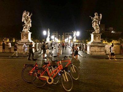 Tour in bici nottuno alla scoperta di Roma