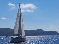 Barca a vela nel Mar Ligure