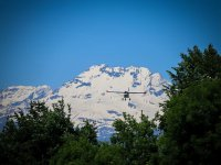 Con le alpi in sottofondo