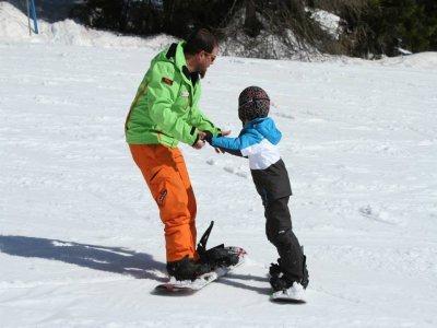 AEvolution Ski School Snowboard