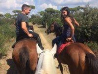 Passeggiata a cavallo romantica