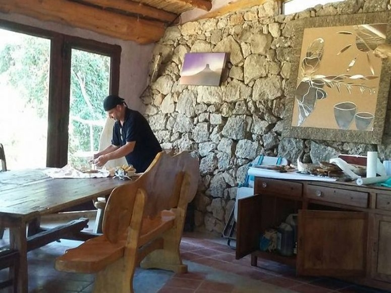 Lo chef preparando la prima colazione