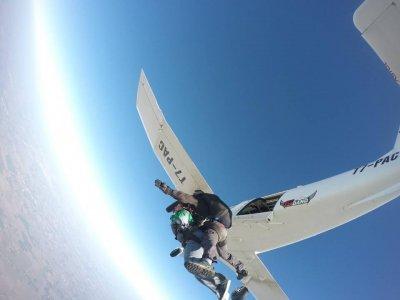 Paracadutismo a Molinella con foto e video di 1ora