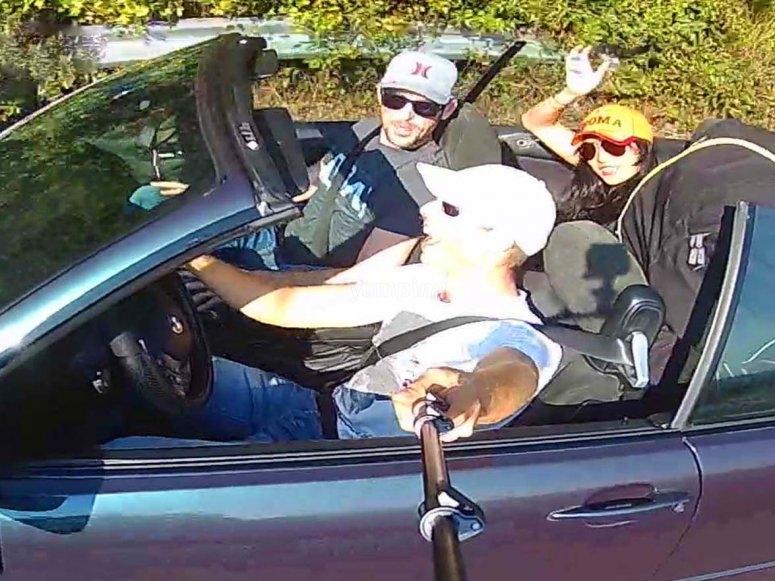Il viaggio in auto con noi
