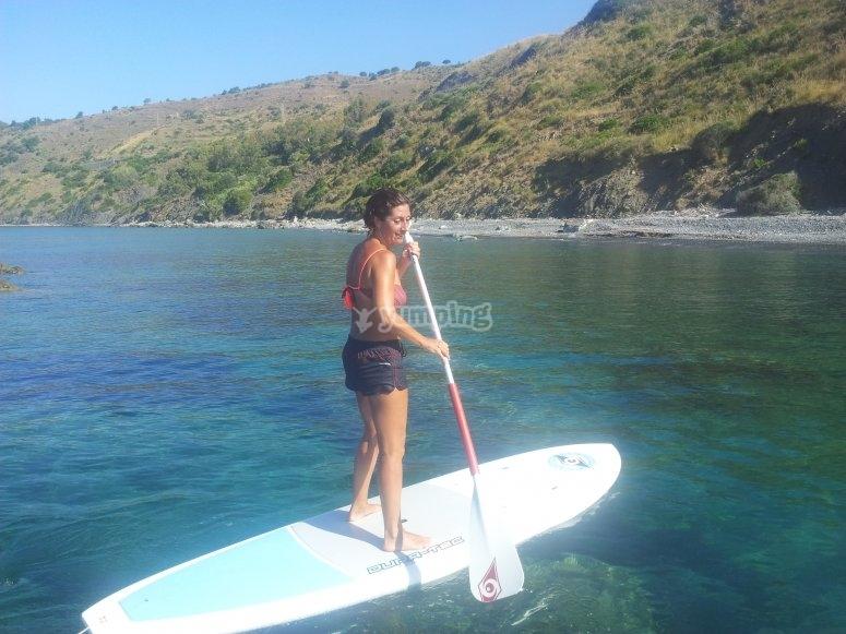 Pagaiando sul paddle