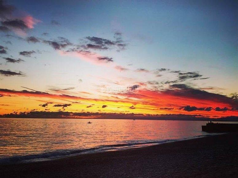 Uno splendido tramonto sul lido