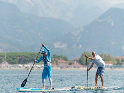 Lezioni di Paddle Surf in gruppo, Pietrasanta